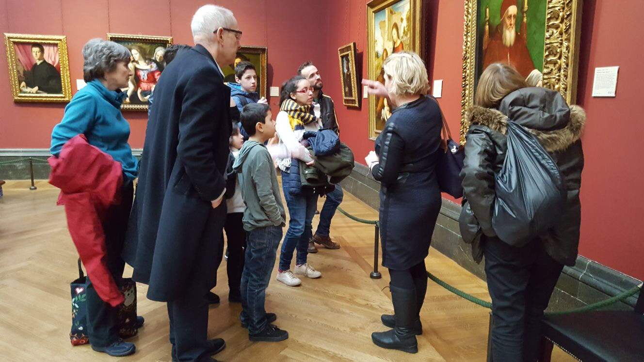 Theresa Hunt giving a tour at the National Gallery